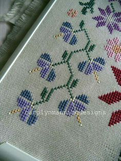 Cross Stitch Borders, Cross Stitch Flowers, Cross Stitch Designs, Cross Stitch Patterns, Needle And Thread, Cross Stitch Embroidery, Crochet, Embroidery Designs, Projects To Try