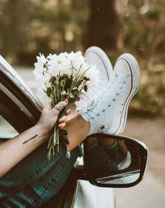 Image about style in Flowers And Plants by Noor Spring Aesthetic, Flower Aesthetic, Creative Photography, Portrait Photography, Tumblr Aesthetic Photography, Shotting Photo, Photographie Portrait Inspiration, Jolie Photo, Aesthetic Pictures