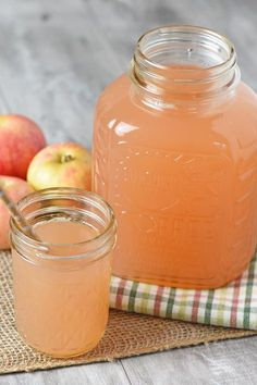 How to make the most delicious homemade apple juice without a juicer and without any added sugar. Simple and easy Instant Pot recipe. Homemade Apple Juice Recipes, Easy Juice Recipes, Apple Recipes, Fall Recipes, Apple Soda Recipe, Homemade Recipe, Bread Recipes, Fresco, How To Make Juice