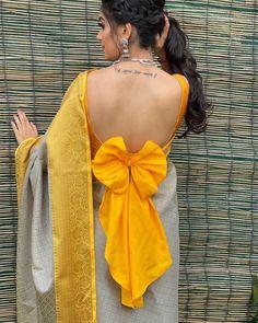 Saree Jacket Designs, New Saree Blouse Designs, Blouse Designs Catalogue, Fancy Blouse Designs, Bridal Blouse Designs, Kurta Designs, Blouse Back Neck Designs, Stylish Blouse Design, Stylish Dress Designs