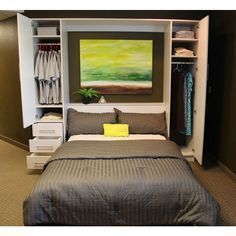 Penthouse Murphy Bed W/Hutches-Open Penthouse-Schrankbett mit offenen Hütten Cama Murphy, Murphy Bed Ikea, Murphy Bed Plans, Queen Murphy Bed, Bedroom Storage, Bedroom Decor, Linen Storage, Bedroom Ideas, Wardrobe Storage
