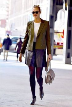 Stylish Business Outfits For Tall Women 21 Karlie Kloss Street Style, Business Professional Outfits, Business Outfits, Business Attire, Tall Women Fashion, Woman Fashion, Fashion Fashion, High Fashion, Fashion Outfits