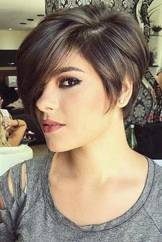 36 Latest Short Hair Trends for Winter 2017 - 2018 - hair styles for short hair Short Dark Hair, Long Hair Cuts, Short Hair Cuts For Women With Bangs, Short Hair Long Bangs, Long Bob Hairstyles, Pretty Hairstyles, Short Haircuts, Short Hair Trends, Short Hair Styles