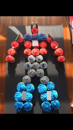 47 Ideas Birthday Cake Boys Transformers Optimus Prime For 2019 Transformers Cupcakes, Transformers Birthday Parties, 4th Birthday Parties, Birthday Fun, Transformers Optimus, Birthday Ideas, 6th Birthday Cakes For Boys, Rescue Bots Birthday, Rescue Bots Cake