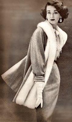Harper's Bazaar - December 1950. S)