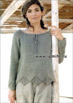 Пуловер цвета хаки с ажурной отделкой. Спицы