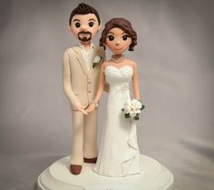 Custom Cake Topper Wedding Sculpture by CakeToppersStudio on Etsy Bride And Groom Cake Toppers, Custom Wedding Cake Toppers, Wedding Topper, Wedding Cake Designs, Cake Wedding, Fondant Wedding Cakes, Fondant Cake Toppers, Fondant Cupcakes, Cupcake Toppers