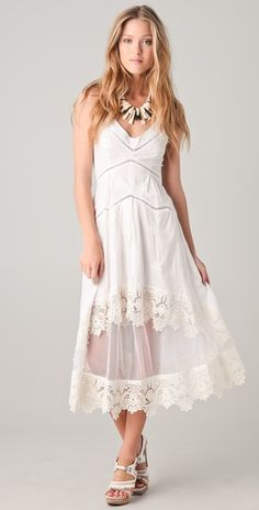 gorgeous dress.....  where was this when I was looking for the perfect casual wedding day dress?