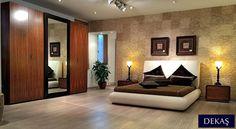 Retro modern esintili bir yatak odası takımı, Granada. Takımın içinde yatak, 2 komodin, gardrop, şifonyer ve ayna bulunmakta.