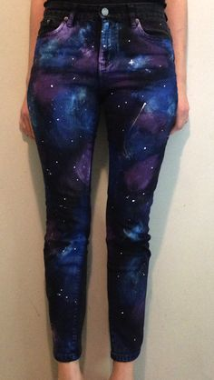 Prudence and Austere: Welcome to My Galaxy (DIY Galaxy Pants) // great way to re. Prudence and Austere: Welcome to My Galaxy (DIY Galaxy Pants) // great way to refashion a pair of old jeans if you're in. Look Fashion, Diy Fashion, Ideias Fashion, Jeans Fashion, Gothic Fashion, Fashion Ideas, Diy Jeans, Diy Galaxie, Galaxy Pants