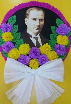 10 kasım Atatürk Çelenk Enterance Decor, Panda Decorations, Diy And Crafts, Arts And Crafts, Craft Items, Classroom Decor, Preschool Activities, Paper Flowers, Gifts For Kids