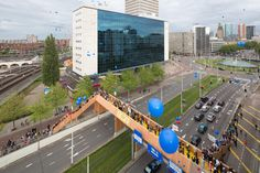 1300 Dutch people donated 70.000 euro to build a wooden bridge in Rotterdam
