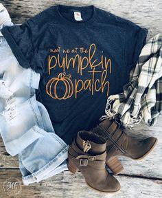 Fall Shirts, Mom Shirts, Cute Shirts, Travel Shirts, Vacation Shirts, Fall Outfits, Cute Outfits, Pumpkin Patch Outfit, Cute Shirt Designs