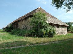 Bývalá usadlosť s pozemkom na samote pri lese uprostred Krupinskej planiny 35 000 EUR