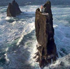 Маяк в Исландии - рай интроверта. / Surfingbird - проводи время с пользой для себя!