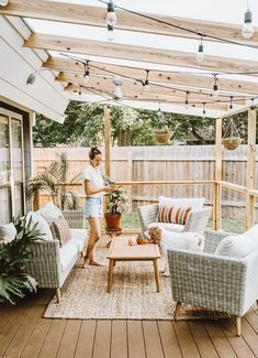 Did you want make backyard looks awesome with patio? e can use the patio to relax with family other than in the family room. Here we present 40 cool Patio Backyard ideas for you. Hope you inspiring & enjoy it . Backyard Patio Designs, Cozy Backyard, Cozy Patio, Deck Patio, Backyard Pergola, Small Patio Design, Patio Roof, Outdoor Pergola, Patio Deck Designs