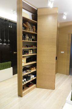 Znalezione obrazy dla zapytania organizacja butów w garderobie