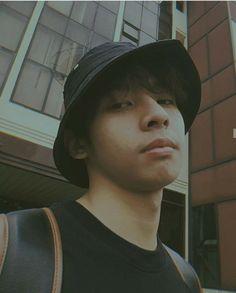 Korean Entertainment Companies, Wallpaper Quotes, Screen Wallpaper, Aesthetic Photo, Boyfriend Material, Pop Group, Photoshoot, Pictures, Instagram