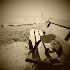 Gaston fixant l horizon, plage d Ilbarritz