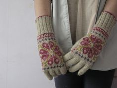 Make these in gray, teal and mustard! Susan Crawford elegant coat glove pattern, 009 by Knitnchoc, via Flickr