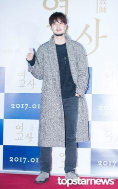 [HD포토] 김지석 수염을 길러도 가릴 수 없는 멋짐 #여교사 #VIP시사회 #김지석
