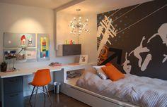 jugendzimmer junge skateboard wand malereien orange akzente