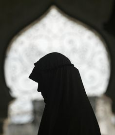 Woman of ISLAM _____________________________ Reposted by Dr. Veronica Lee, DNP (Depew/Buffalo, NY, US)