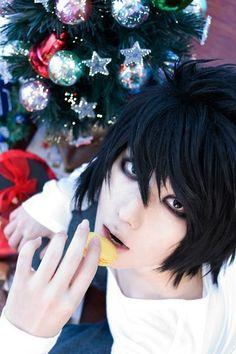 L | Death Note. a lo he dicho pero igual me voy a casar con un japones y voy a hacerlo usar todos los días cosplay