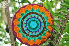 Mandala Cigana.. Em seu centro, Uma bola de Cristal. Vibra Mudança e destino. Imagine Utopia.