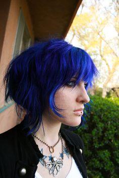 Reminds me of Ramona Flowers. Looks absolutely fabulous! Hair Color Blue, Blue Hair, Hair Colors, Pelo Multicolor, Hair Pomade, Emo Hair, Coloured Hair, Hair 2018, Hair Today