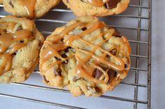 Mrs. Fields Sea Salt and Caramel Chocolate Chip Cookies Copycat