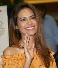 Esha Gupta poses for pictures. #Bollywood #Fashion #Style #Beauty #Hot
