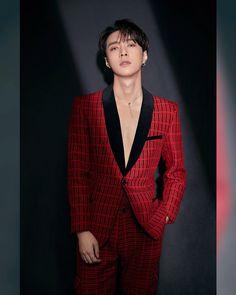 — jongin and bears . Baekhyun Chanyeol, Yixing Exo, Luhan And Kris, Bts And Exo, Kim Jong Dae, Z Cam, Wattpad, Red Suit, Exo Members