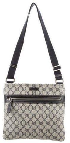 Gucci Messenger Bags, Gucci Crossbody Bag, Canvas Messenger Bag, Burberry Shop, Gucci Handbags, Blue Bags, Handbag Accessories, Shoulder Bag, Purple