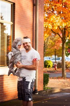 Lots of inspiration, diy & makeup tutorials and all accessories you need to create your own DIY Shark Attack Costume for Halloween. Halloween 2014, Homemade Halloween, First Halloween, Halloween Photos, Halloween Birthday, Diy Halloween Costumes, Costume Ideas, Halloween Decorations, Diy Shark Costume