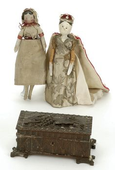 "ncludes 20th century English peg wooden doll labeled The Duchess of Fife, a smaller peg wooden in original clothing, included in lot is a nicely hand carved late 19th century box  Size: tallest doll 7.5"" t."
