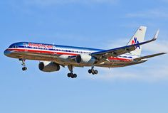 American Airlines Boeing 757-223 N192AN on final approach to Las Vegas-McCarran International, March 2012. (Photo via Flickr: Tomás Del Coro)
