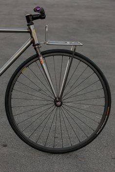 Indoor Bike Rack for Apartment 2015 Fixi Bike, Bike Seat, Bicycle Rack, Velo Retro, Velo Vintage, Retro Bike, Bici Fixed, Indoor Bike Rack, Push Bikes