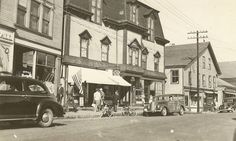 Take away the cars and you could have taken that picture recently. From the Vinalhaven Historical Society Vinalhaven Maine, Main Street, Street View, Rose Cottage, Historical Society, The Good Old Days, Beautiful Landscapes, Beaches, Islands