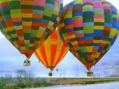Hot Air Ballooning in the Magaliesberg,Gauteng with Bill Harrop's Original Balloon Safaris Safari Holidays, Holidays With Kids, Air Balloon Rides, Hot Air Balloon, Air Ballon, South Africa Holidays, Balloon Flights, Adventure Activities, African Safari