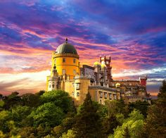 The first I'd heard of Sintra was just before the summer holidays at Cambridge University when a group of us were heading out to Lisbon for a 4 day weekend to celebrate multiple friend's birthdays and