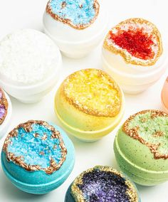 Are you looking for Fizzy bath bombs? Latika bath bombs are handmade, in Austn, Texas. They are rich with moisturizing oils and create a fun fizzy colors. Cupcake Bath Bombs, Fizzy Bath Bombs, Homemade Bath Bombs, Bath Bomb Recipes, Soap Recipes, Bath Balms, Bomb Cosmetics, Bath Bomb Sets, Diy Body Scrub