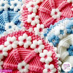 Kaliteli iplik ve maharetli parmakların ortaya çıkardığı bu güzel lifler sizleri bekliyor. ( Ürünün detay görsellerini görmek için… Blanket, Crochet, Instagram, Ganchillo, Blankets, Cover, Crocheting, Comforters, Knits