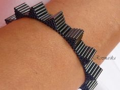 Pyramid Bugle Bracelet - Schema should be clear enough. #seed #bead #tutorial