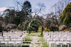 Gorgeous Garden Wedding | Overseas Wedding | Milton Park Country House | Australia | Perfect Backdrop | Stately | Beautiful | Lovely | Dreamy | Lush | Elegant | http://brideandbreakfast.hk/2016/12/19/gorgeous-garden-wedding/