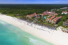 Sandos Playacar Beach Resort All Inclusive (Paseo Xaman-Ha Manzana 1 Lote 1) Situated on an 800-meter stretch of private beach, this all-inclusive resort boasts 4 pools, a luxury spa and 18-hole golf course. This Playa del Carmen hotel is near Xcaret WaterPark. #bestworldhotels #travel #mx #playadelcarmen