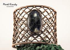 Mriežkovaný+sodalit+Naramok+vyrobeny+z+medeneho+drotu+a+kamena+sodalit