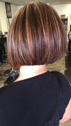 New Bob Haircuts 2019 & Bob Hairstyles 25 Bob Hair Trends for Women - Hairstyles Trends Medium Hair Styles, Curly Hair Styles, Medium Bob Hairstyles, Bob Haircuts, Prom Hairstyles, Hair Color Highlights, Great Hair, Short Hair Cuts, Hair Trends