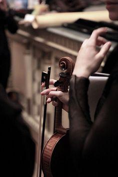 Anche il silenzio si trasforma in note, percepite dai sensi degli ascoltatori più attenti.