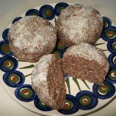 Okarové koule s karobem Muffin, Baking, Breakfast, Food, Morning Coffee, Bakken, Essen, Muffins, Meals